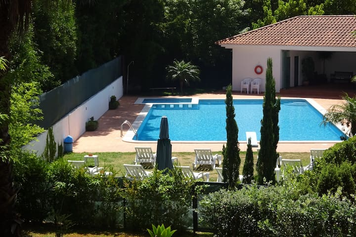 ROOM NEAR PORTO AND THE BEACH, WITH SWIMMING POOL