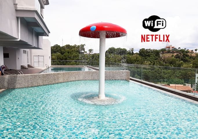 T STAY @ Icon Residence (NETFLIX, POOL & SAUNA)