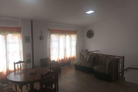 Casa amoblada en la parroquia Malacatos-Loja