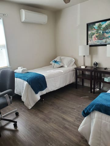Chancellor Comfort & Rest- Twin Room #1