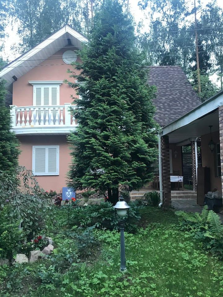 Загородный дом с лесом и озером, 160 кВ.м, гараж