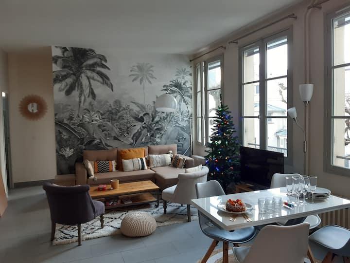 Appt lumineux + pkg, Versailles centre (25' Paris)