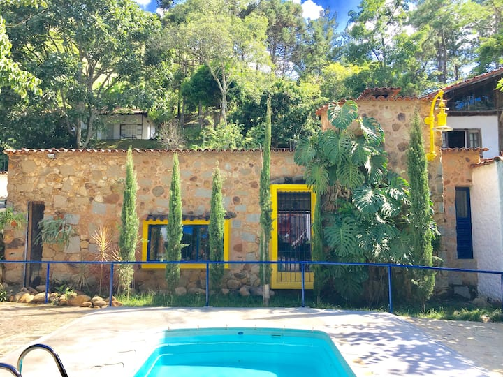 Linda Casa Italiana em Itaipava