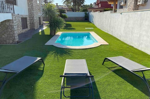 Great apartment in a villa with swimming pool