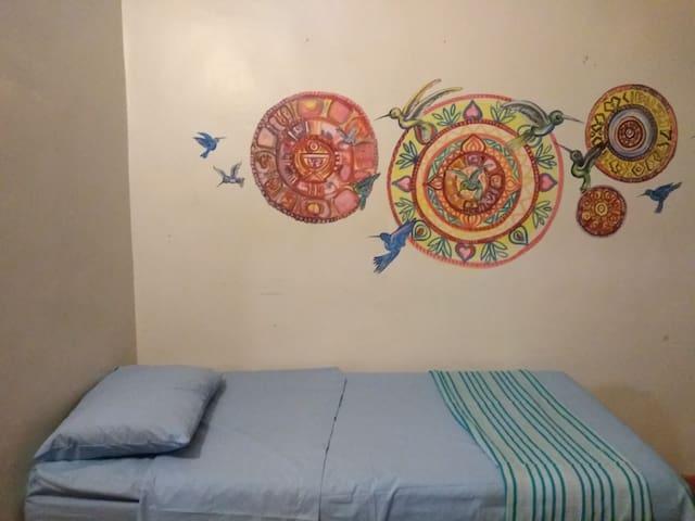 """Habitacion """"Mandala"""" en casa Colibries"""