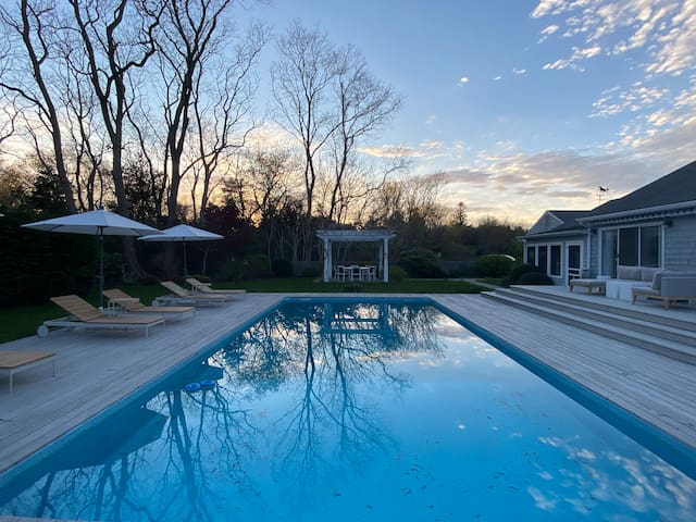 Sag Harbor Retreat – Minutes to Village and Beach