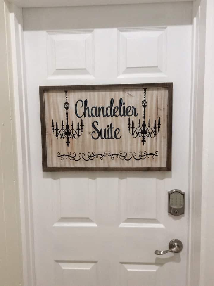 Chandelier Suite - Beaches, Dunes, Golf, Wine Tr