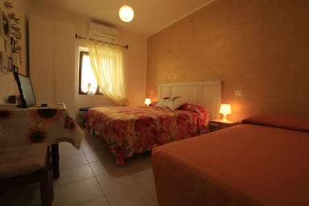 GOLD room with private bathroom 7km to the sea