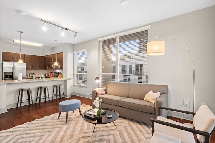 Kasa | Nashville | Urban 2BD/2BA Apartment | 31+ Day Rental ONLY