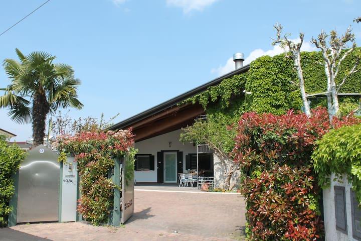 My Chic Garda House - Castelnuovo del Garda - บ้าน