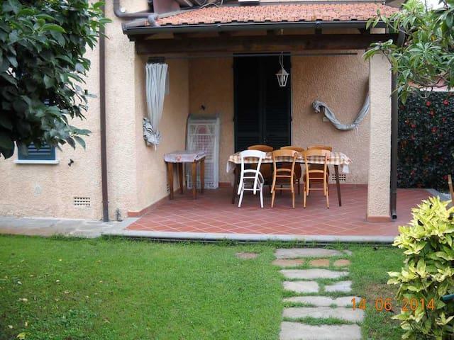 Villa Giada - 3 bedrooms - Forte dei Marmi - Hus