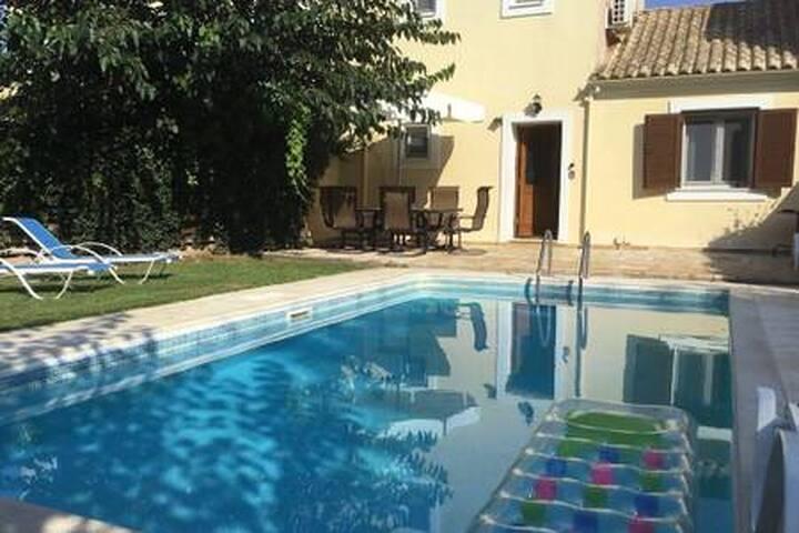 Villa Frini with Private Pool