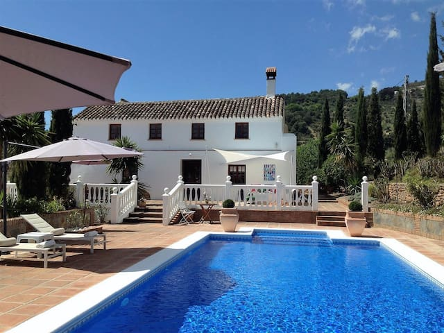 Cortijo in rural area. Family Style,Luxury Comfort - Casarabonela - Casa de camp