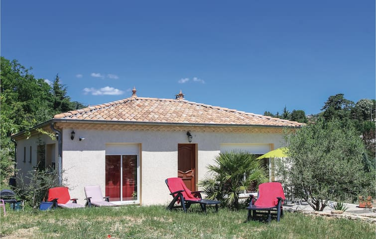 Holiday cottage with 3 bedrooms on 149 m² in Aubenas