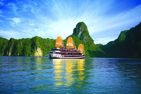 Ha Long Bay Package . - Hanoi