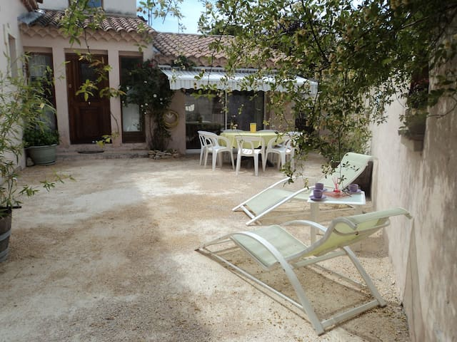 Gîte en Provence avec piscine privée