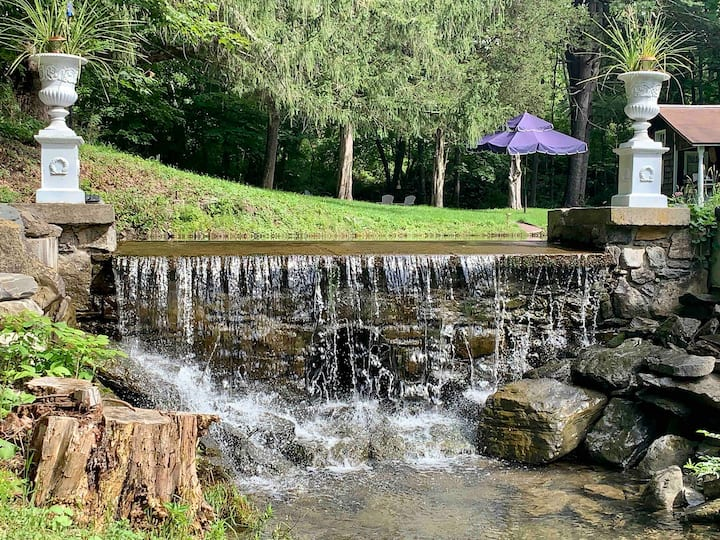 Renovated grist mill, 5 min away from Catamount!