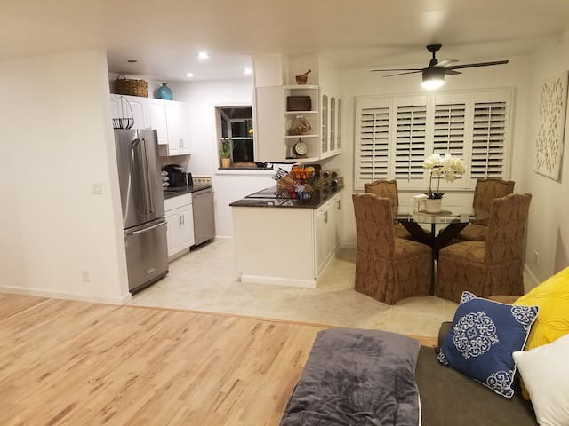 Contemporary and Comfortable in a Great Location - Menlo Park - Apartemen