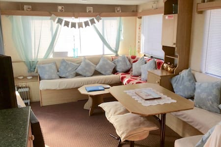 3 Bed Charming Seaside Escape in Ingoldmells