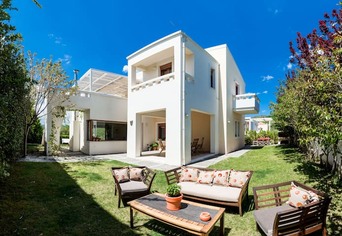 Villa Elesia | 4 Bedroom Villa near Plakias