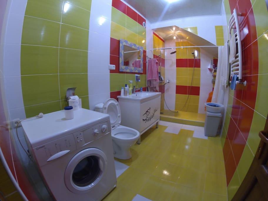 Bathroom in 1st floor