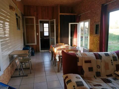 MOBIL-HOME aménagé sur terrain privé