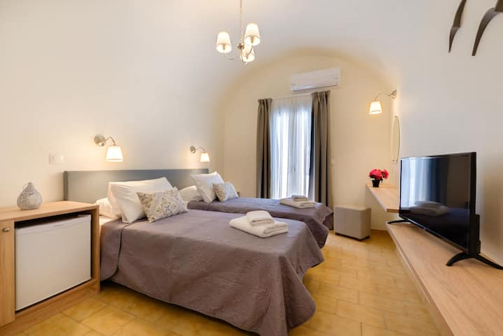 Alexander's Great View : Tinos Room-21 m²