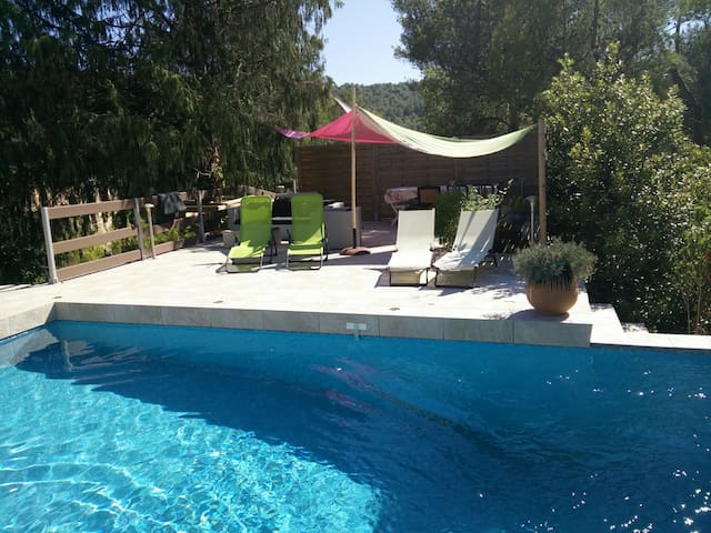 Charming family villa 5 kms from Cassis - Carnoux-en-Provence - Huis
