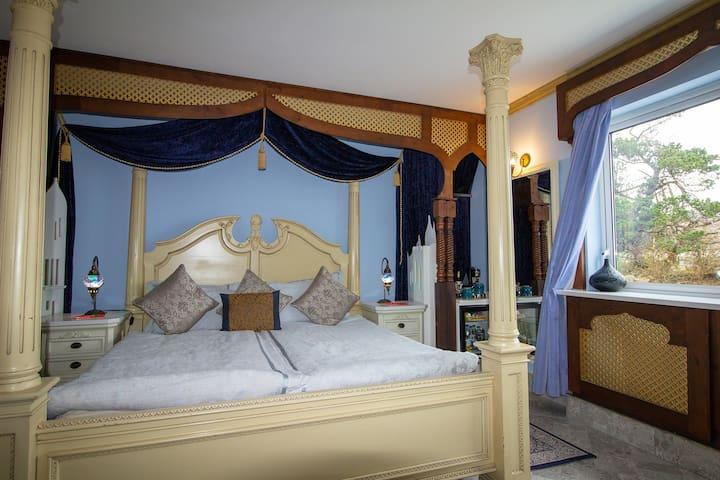 Ferndale - Arabian Nights (Luxury Double Room)