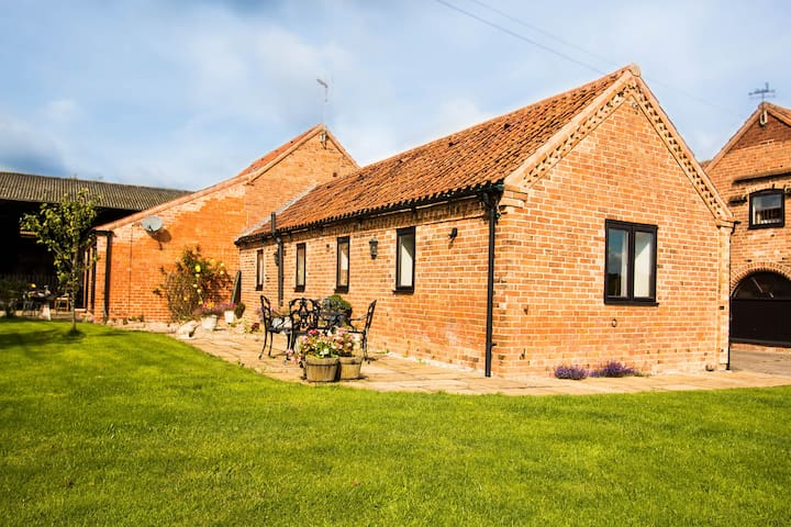 Tithe Barn, Lodge Barns, Country Escape, Morton