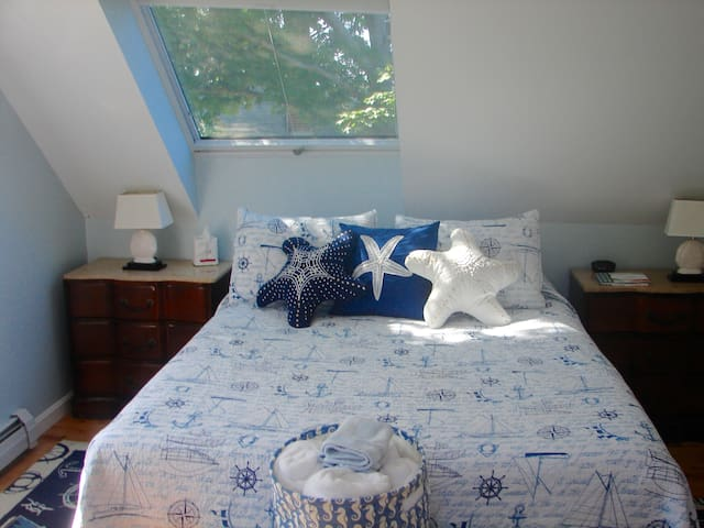 Captain's Quarters - Rockport - Bed & Breakfast