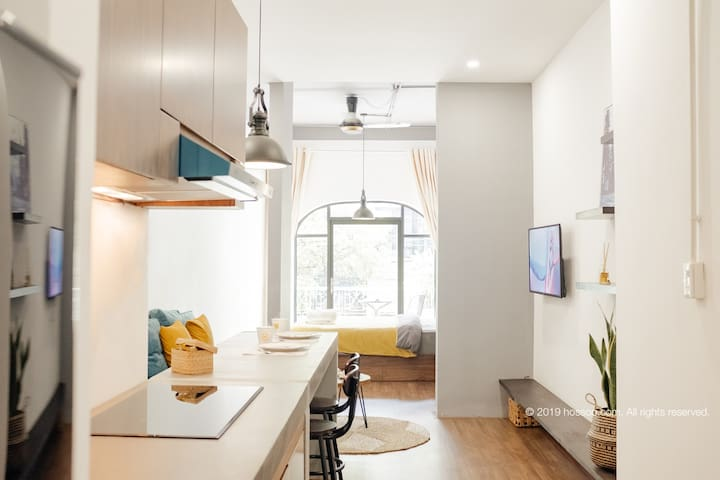 ❗️VOGUE studio, breezy balcony, splendid location