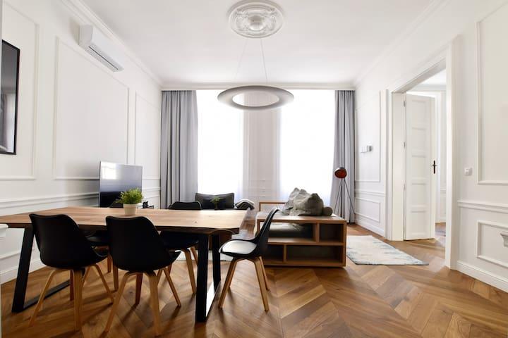 Hi5 Apartments 95- Bazilika luxury suite 3 bedroom