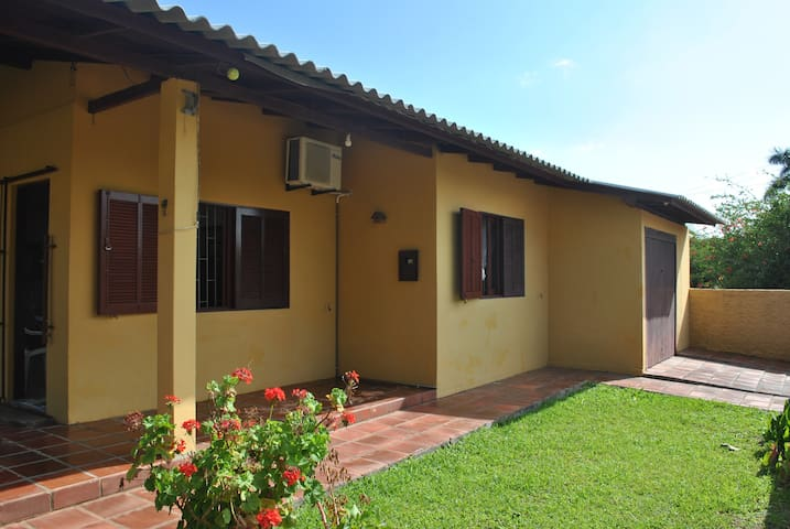 Casa 3 quartos- Balneário Daniela (WiFi) - Florianópolis - House