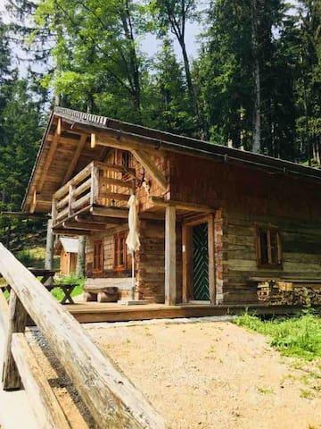 Bichl-Hütte - Genieße Naturidylle und Komfort