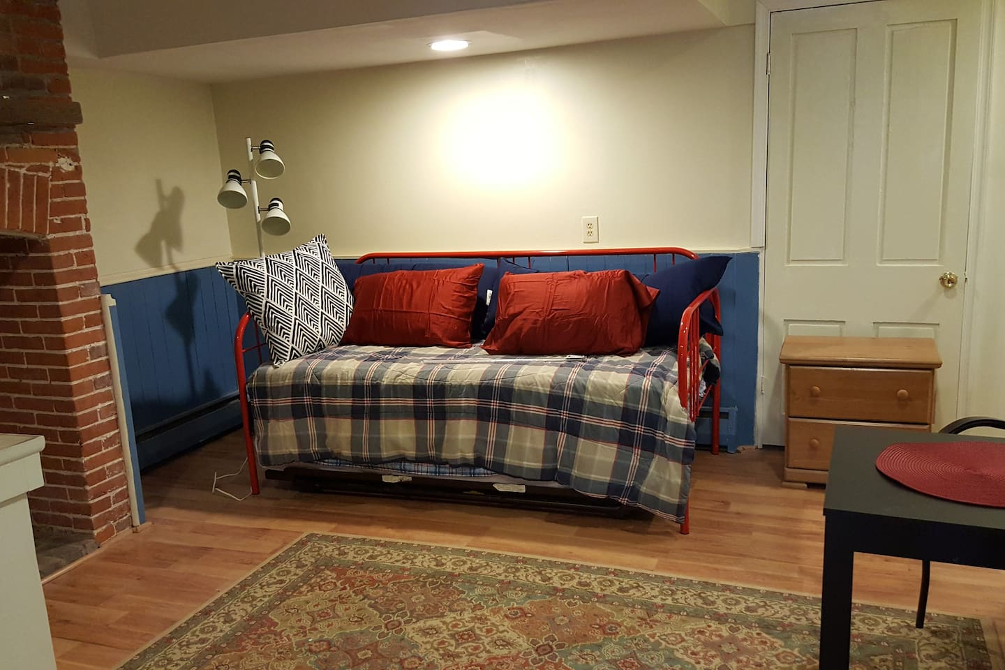 Day Bed with 2 twin beds