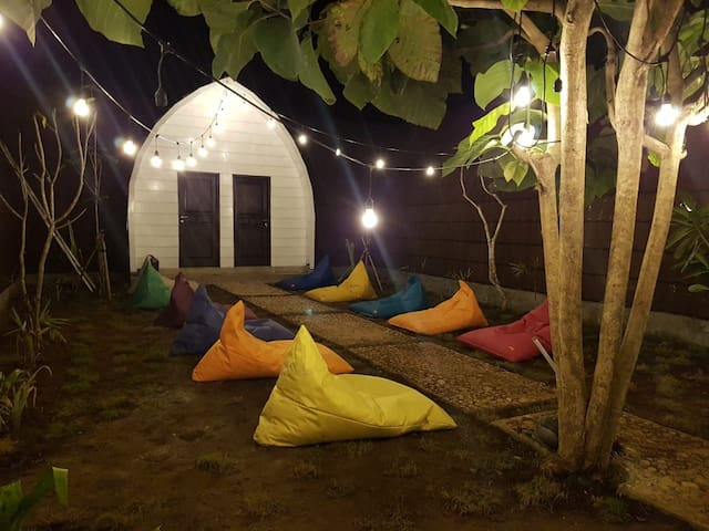 BACKPACKER; BED BUNKER; IG: GB_hostel _lembongan