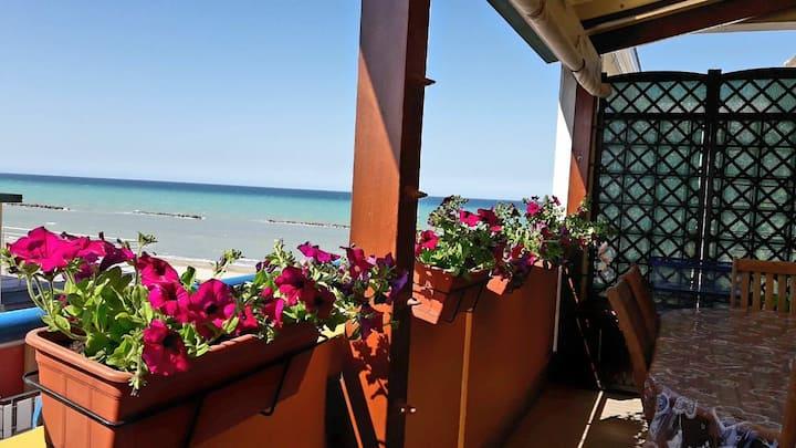Appartamento  in riva al mare di Diego e Maria