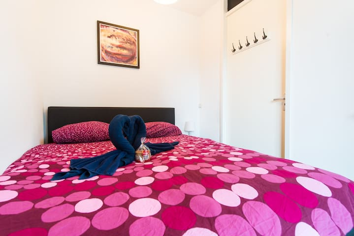 New Private room close to metro (room 1) - Amsterdam-Zuidoost - Ház