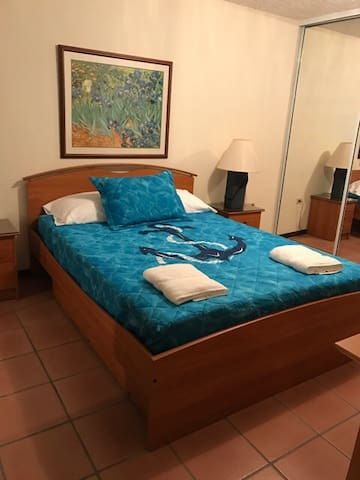 IDEAL 3-BEDROOM APT WITH UTILITIES - 3RD FLOOR