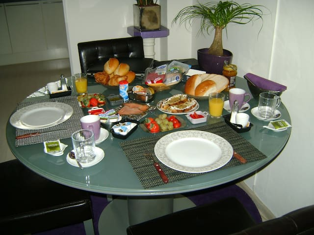 On sundays i make a breakfast for you and also the day after you arive