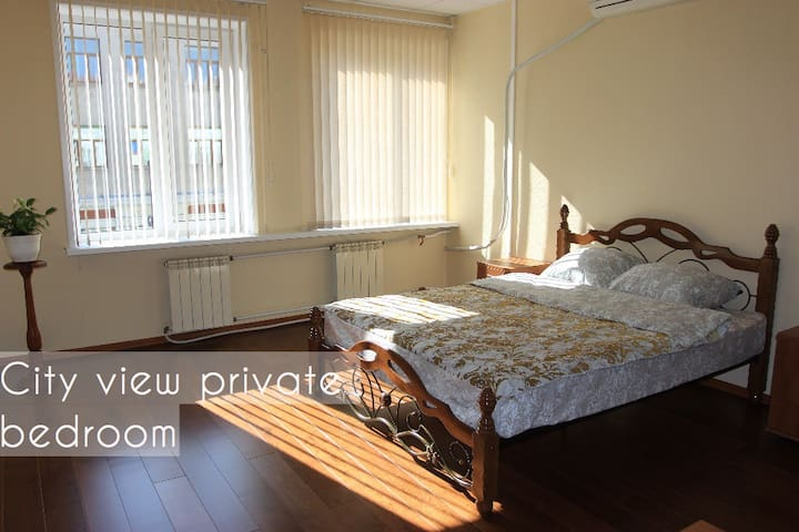 Private apartment at the city center, 100sq.m.