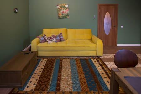 Тополя  «Дом Торжество»