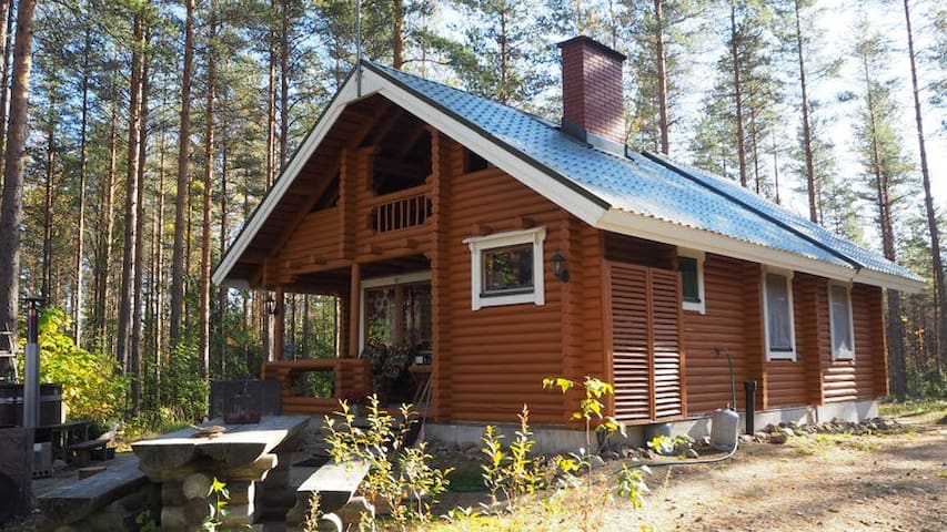 Summercottage with Hot tube - Uurainen - Cabaña