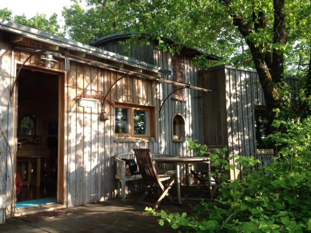 Maison en bois au cœur du Périgord Noir (4 pers.)