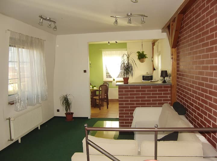 Cozy aparment free secure parking close to metro