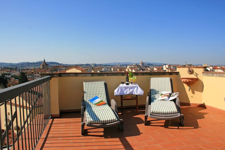 TERRACE with a VIEW... GREAT VIEWS FROM 2 TERRACES