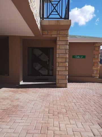 Villa 47