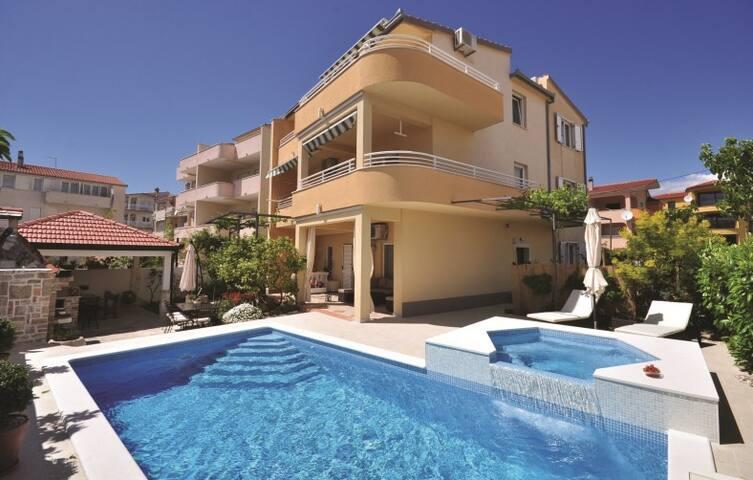 Villa D&G, luxury villa with private pool