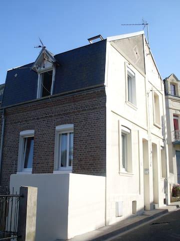 Maison de pêcheur meublée n°5 - Le Tréport - House